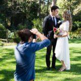 Sesje zdjęciowe młodych par w plenerze – o czym warto pamiętać?