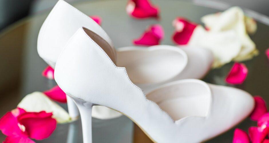 białe buciki
