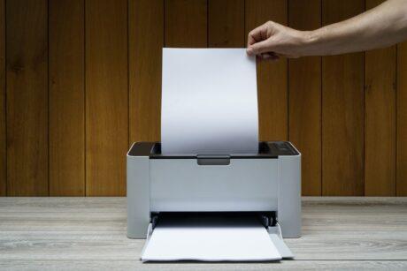 pusta strona w drukarce